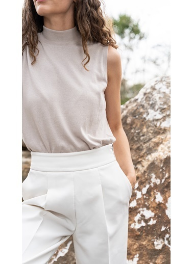 Silk and Cashmere & More Edelina Modal ve Pamuklu Yüksek Yaka Kolsuz Triko Bej